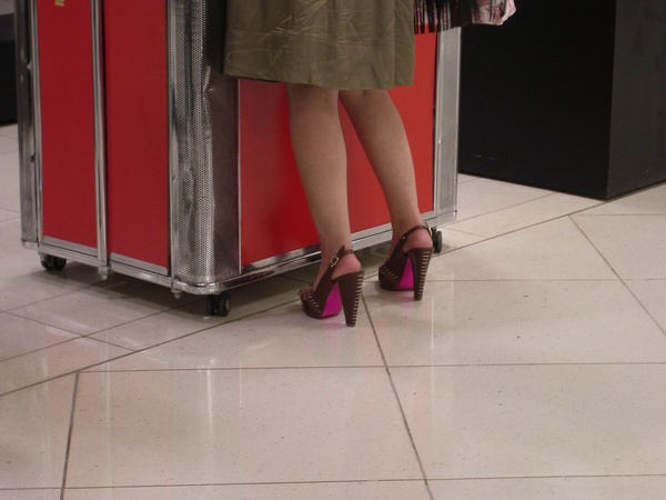 好高的鞋,佩服
