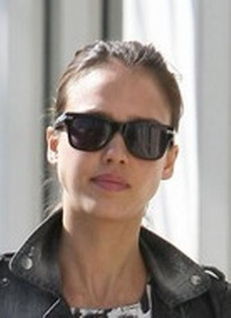 Jessica-Alba-Oliver-Peoples-Sunglasses.jpg