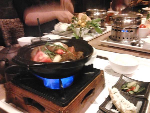 傳家蔥燒牛腩煲