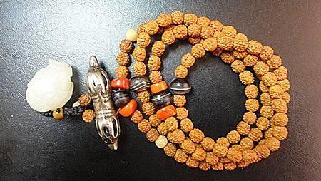 一條平時跟身的小菩提六面金剛子念珠