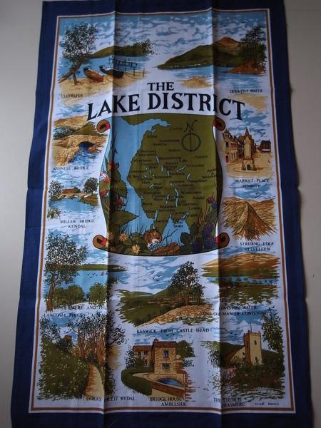 還有一張湖區的桌巾
