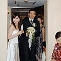 終於進房見新娘~