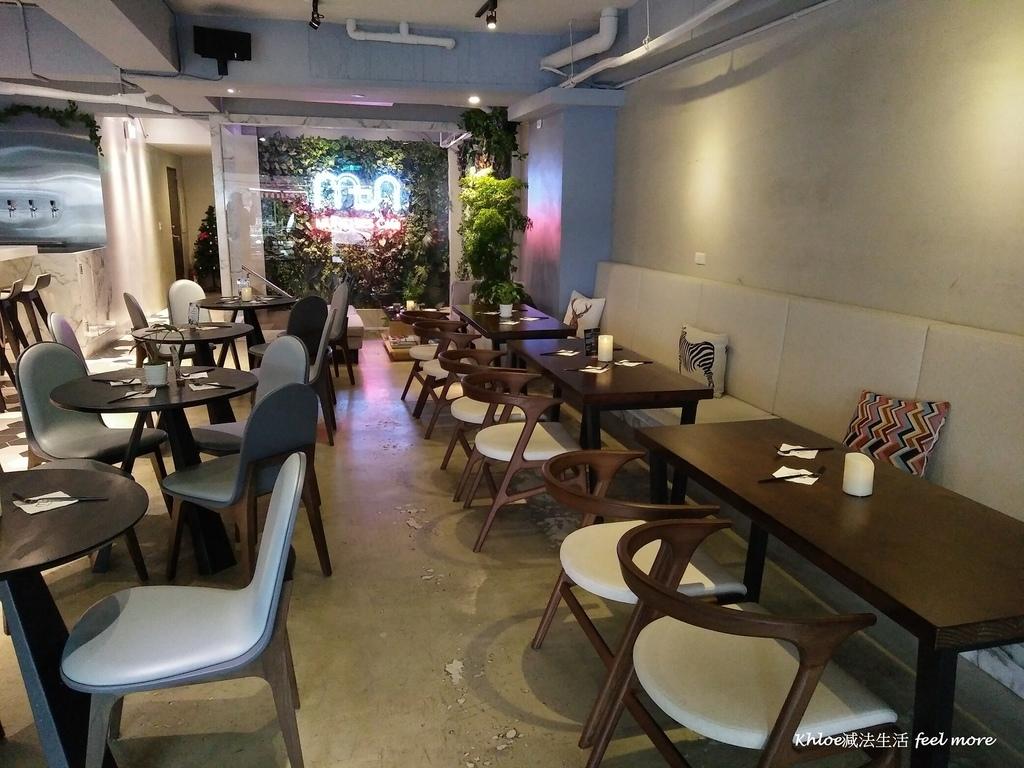 5小巨蛋美食Munchies Cafe美式餐酒館菜單.jpg