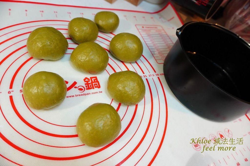 抹茶麵包食譜_麵團拉薄膜_016.jpg