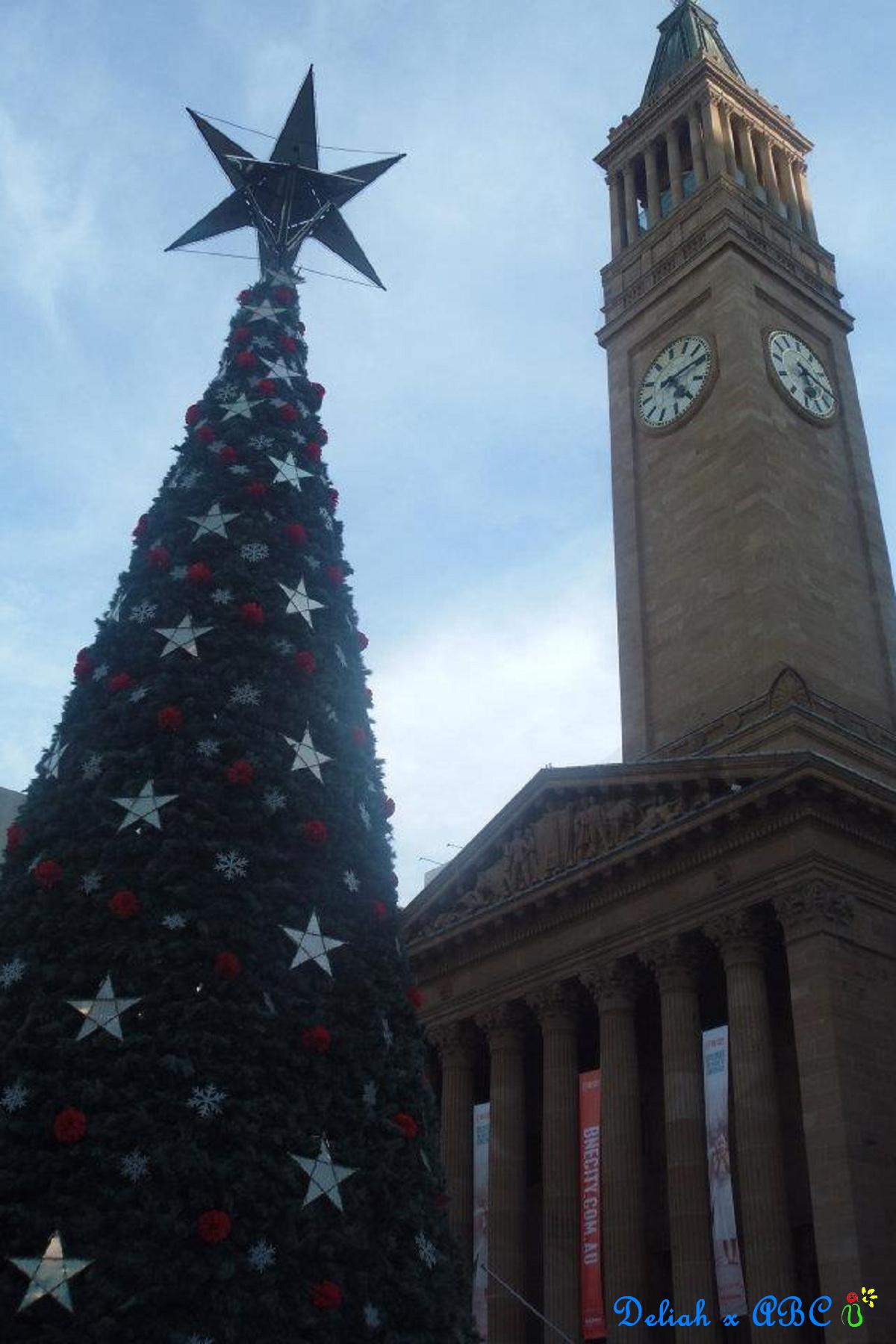 10 BNE City Hall x Xmas tree