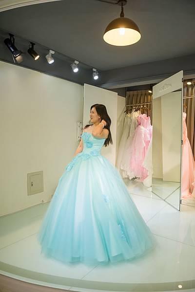 新竹婚紗工作室 推薦:分享禮服試穿