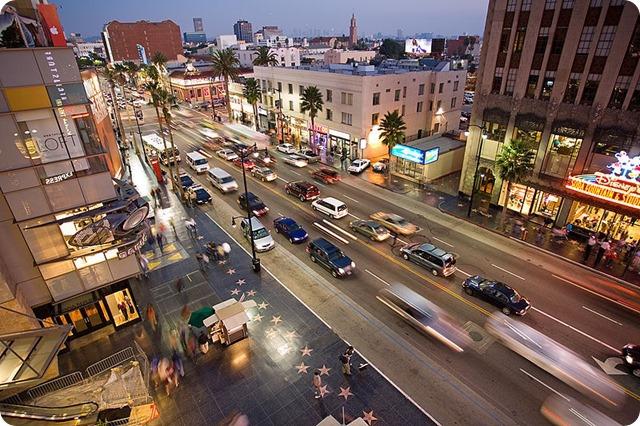 800px-Hollywood_boulevard_from_kodak_theatre