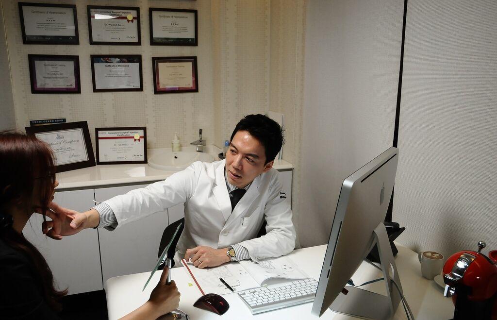 柯威志醫師1.JPG