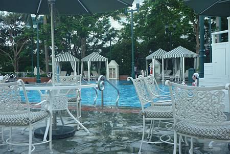 樂園酒店泳池1s.jpg
