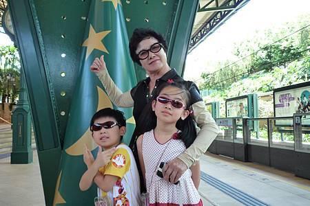 迪士尼地鐵1s.jpg