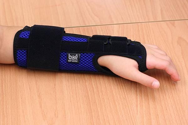 加強型手腕夾板s.jpg