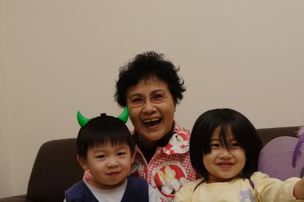 奶奶與我s.JPG