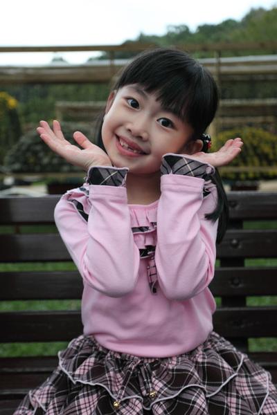 姿獨照2011s.jpg