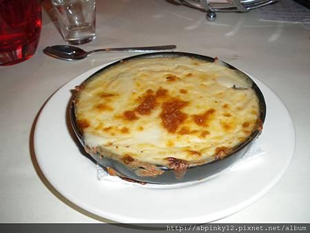 前菜焗烤蘑菇加方塊麵包.JPG
