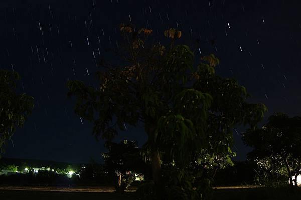 恆春蹦啾民宿的星星-1.jpg