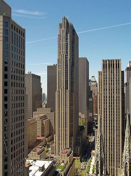 800px-GE_Building_by_David_Shankbone.jpg