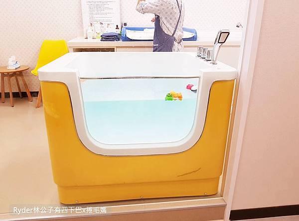 台北嬰兒游泳2.jpg