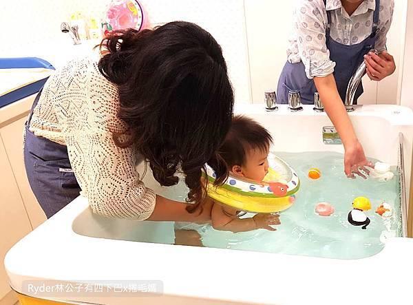 台北嬰兒游泳11.jpg