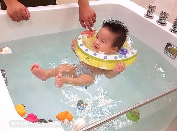 台北嬰兒游泳16.jpg