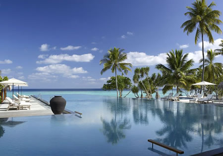 Four-Seasons-Resort-at-Landaa-Giraavaru,-Male,-Maldives