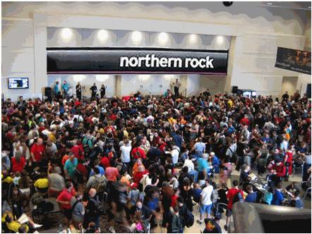northern-rock-customers-taking-out-money