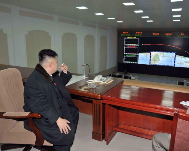 kim-jong-un-north-korean-leader-smoking-cigarette_0