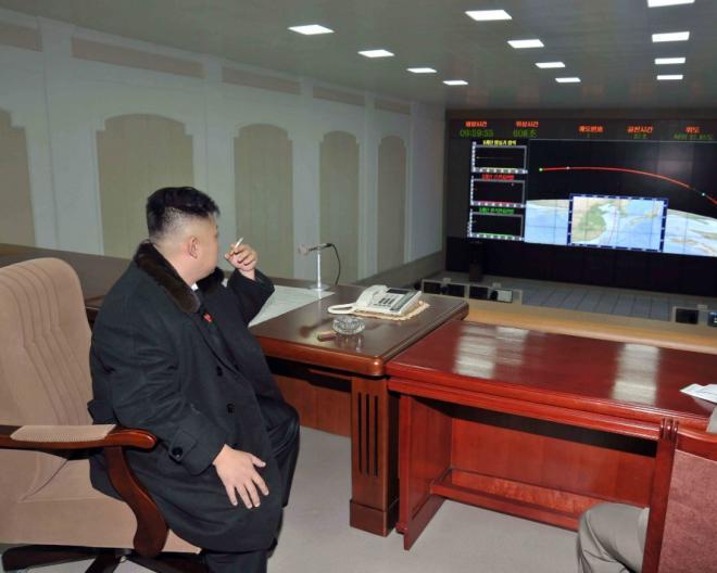 kim-jong-un-north-korean-leader-smoking-cigarette_0