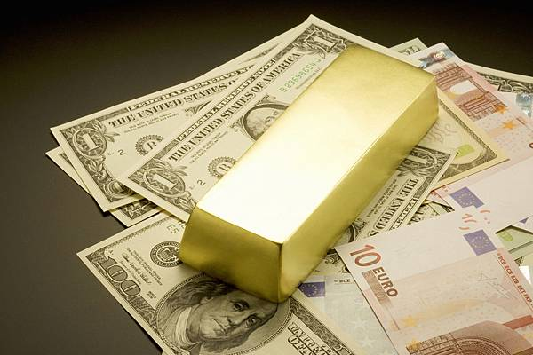 Gold-over-paper-currency