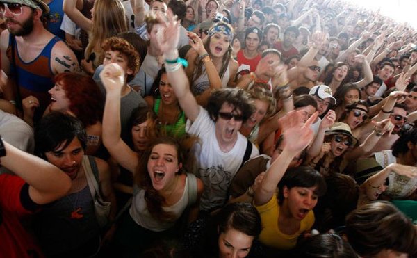 crowd-80.jpg
