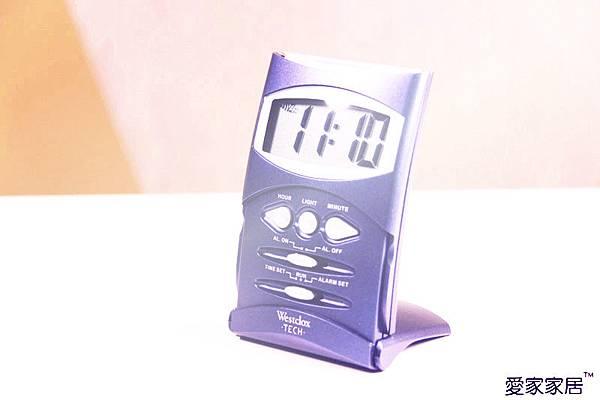 【47634 輕鬆藍紫色摺疊攜帶桌鐘】