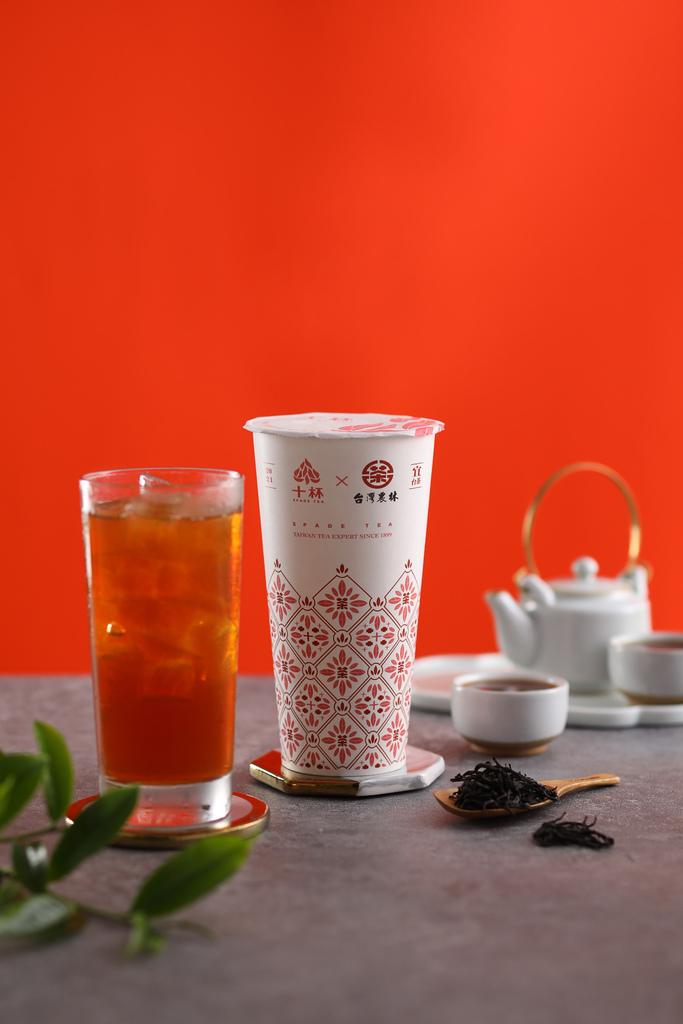 台灣農林與十杯跨界聯名,全新的杯身也別有特色 (1).JPG