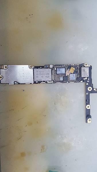 I6P維修觸摸IC.jpg