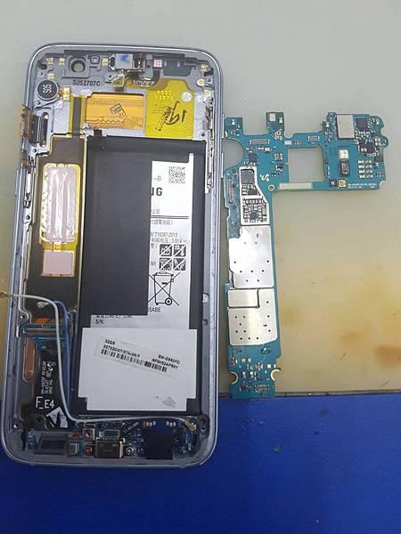 5.三星S7E 泡水液晶主板都故障8-22  -13.jpg