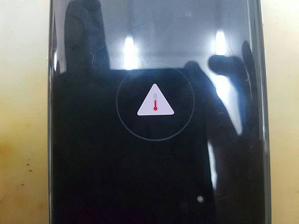 8.三星S8摔過泡水-1.jpg
