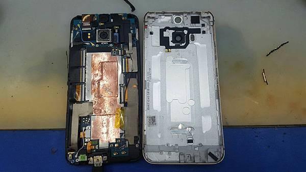 27. HTC M9+ A9 更換電池+加尾插2.jpg