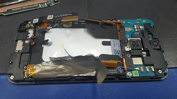 32. HTC蝴蝶二 電池更換-4.jpg