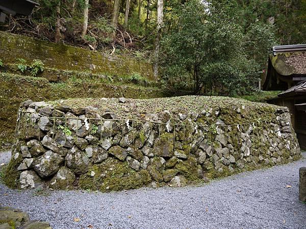 1109-貴船神社奧宮船形石