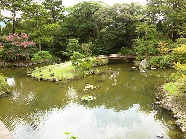 小倉城庭園水池