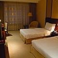 英皇酒店一般套房.jpg