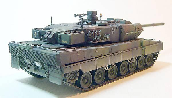 leopard2-2.jpg