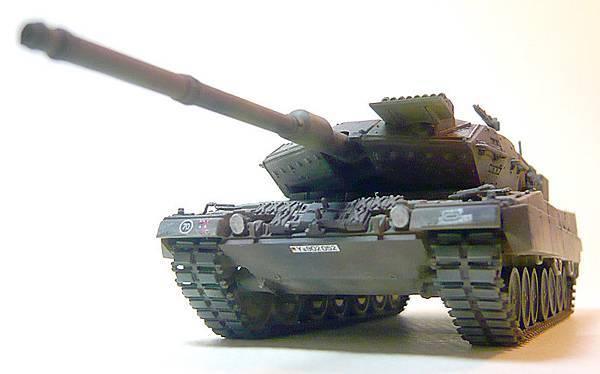 leopard2-4.jpg
