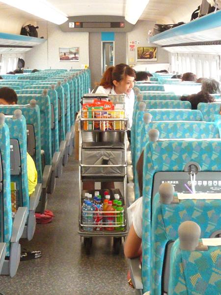 高鐵餐車.jpg
