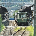 江之電的對向式月台