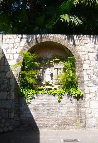 砲塔入口聖母像.jpg