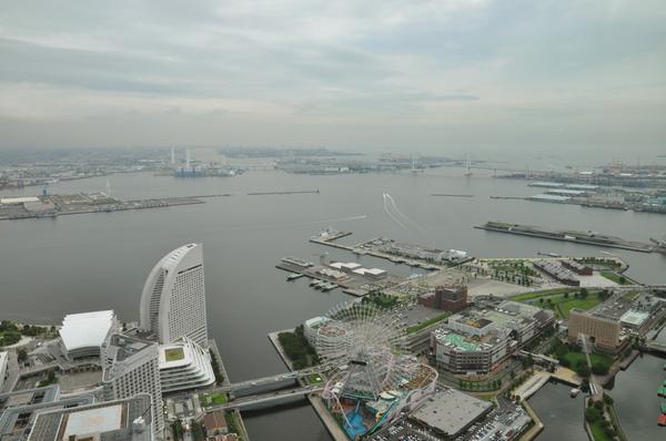 橫濱地標塔遠眺