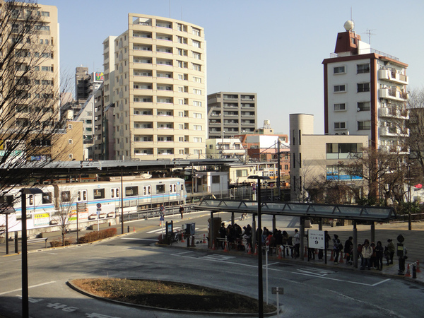 吉卜力接駁車車站