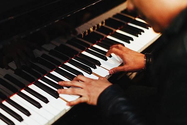 pianist-1149172_1280.jpg