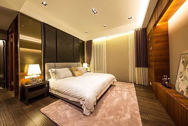 4臥室1-1-S-78.jpg