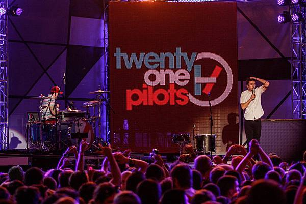 LIR-Twenty-One-Pilots-2163.jpg