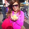 4 (8)哥倫比亞最愛食物 就是它!!! 又香又Q起司球 裡面有時候空心 有時候包芭樂果醬 有時候是牛奶糖 為何出了哥倫比亞我就再也吃不到它 不~~~.jpg